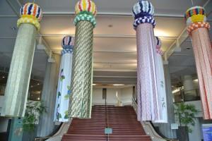仙台国際センター正面玄関の飾り